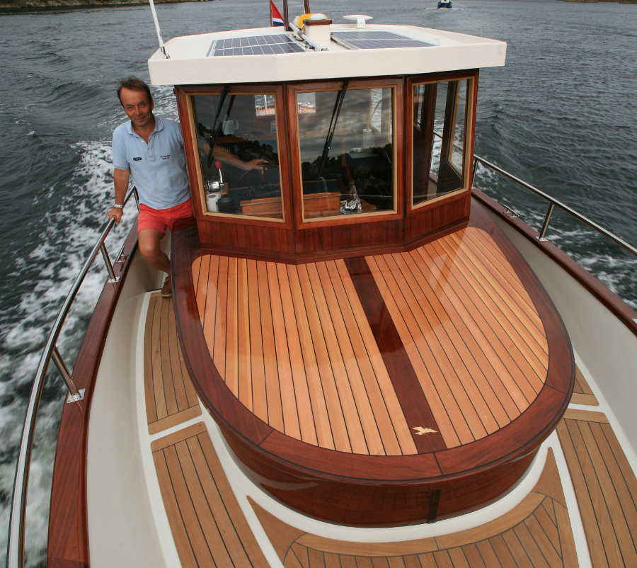 Displacement Power Boats to 30'~ Small Boat Designs by Tad Roberts